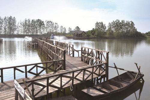 梁子湖龙湾度假村